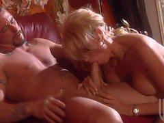 Сумасшедший половой в сопровождении опытных красоте Бурная Дэниелсом
