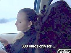 Возбуждённый Чешской девочка Alexa получает ее жесткие пизда вспаханного