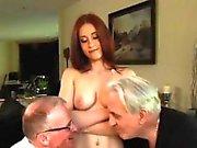 Junge Frau schwarz und big Tit Milf dreier mit Freund Minn