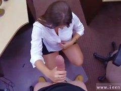 Chubby Teen Handjob für eine Dame schüchtern
