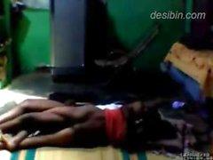 Maid in il Bangladesh pestate ottiene dal padrone preso in diretta cam nascosti