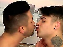 Gençlerin seks eşcinsel Cevap emo Miki Taylor ve Andrea Suarez
