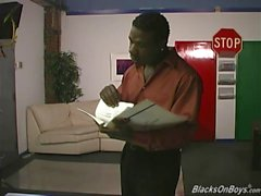 White perv saa black hana rangaistuksesta