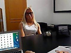 Blondes Demande d' Mannequin Job