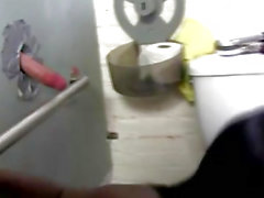 Lustloch dicks Angriff ein geiler sista zu in einer allgemeinen Toilette