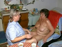 Busty mature slut gets horny part3