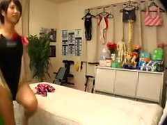 Asian massage babe sucks and jerks cock hard after massage