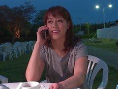 Riho Mikami succhia un cazzo duro in un bagno pubblico - Altro 69avs