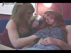 Lucy Feuer Licks ein Pussy Zum Ersten Mal