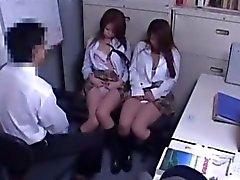 gar müdürü kız öğrenciler 13 beuatiful kızlar kaçmak ücret yakalandı