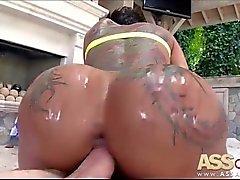 Big Ass ha bisogno grandi cazzo di Bella Bellz