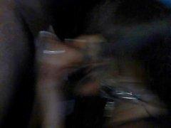Tracy em Dallas chupando um grande galo negro!