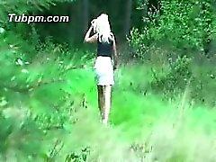 Im che Wald nella Strumpfhose gefickt