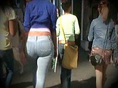 Jeans curvy Ass !!