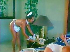 Maid ajuda Casal com Foda Manhã