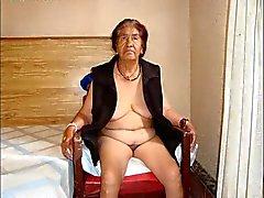 Heißes alten total Omas mit atemberaubenden nackter Körper