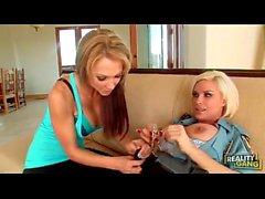 Diamond Foxxx y Lesbianas Nikki Sexx policía