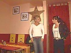 sexo de grupo con el Desperate Milfs calientes alemanas