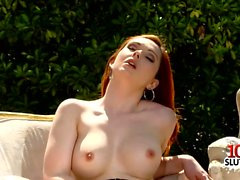 Shaved pussy pornstar outdoor with cumshot