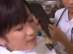 Duas enfermeiras asiáticas impertinentes embarcam em uma aventura