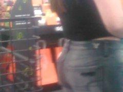 Hot Walmart Teen In Tight Jeans