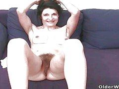 Granny française en chatte poilue et les masturbates d'about rond