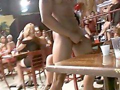 Blondes guy durchgefickt Mädchen und Bergrücken Flittchen durch Verschlucken sein Schwanz