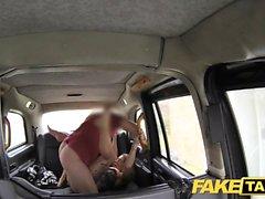 Fake Taxi Hard Sex und Rimming vor Gesichtsbesamung