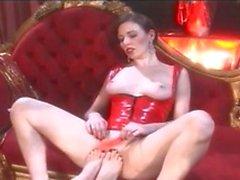 Sexy Nikki in lesbischen Fetisch spielen