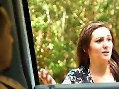 Sexy adolescente Renee ruleta es capturado por extraño córnea