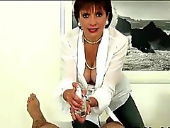 Femme Sonia ne fait titfuck et la remorqueurs