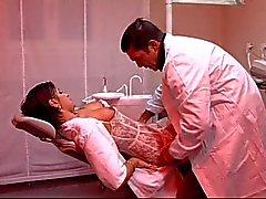 El dentista sich folla a su Ayudante