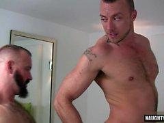 Big dick karhu anaali seksi ja cumshot