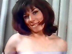Retro mooie vrouwen met natuurlijke enorme tieten !