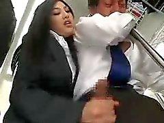 Masturbazione Asian in Bus pubblico