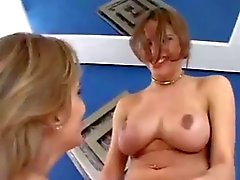 Grosse Tit Latina goes Balls Deep