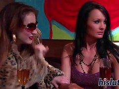 Alektra Blue hat ihre orgastischen Pussy pummeled