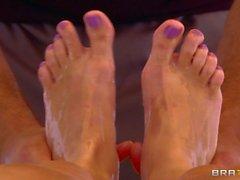Runder assed blondes Jessie Rogers bekommt von schmutzige Masseur verführen