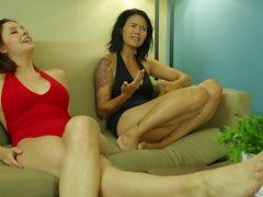 Dana Vespoli e il di Shanel Preston mostra la loro piedi sexy