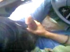 Chupar pau no carro esfahan irã