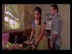 Domestique au Mumbai éditée à fabrication d'amour scene