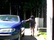 lilian77 den mini- kjolen och framför mitt hus 04