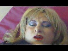 Livia Corell yüz cumshot ile mastürbasyon