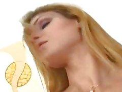 Blondine Transe erhält Gesprengte Up Die Ass