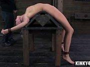 Heiße Tochter bdsm Bondage und Orgasmus