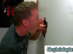 straighty diverte a succhia un cazzo attraverso la un buco di gloria