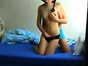 Couple amateur sexy faisant leur toute première maison fait porno