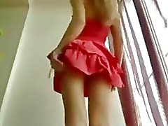 Hot Skinny Teen en vestido corto Stripdance - Sunporno Uncensored