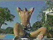 Steve Regis fodido à beira da piscina