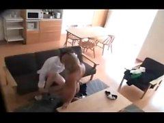Japanische Babe auf versteckte Kamera gefangen